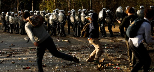 У Бельгії поліція розганяла людей, які прийшли в парк на фейкову вечірку