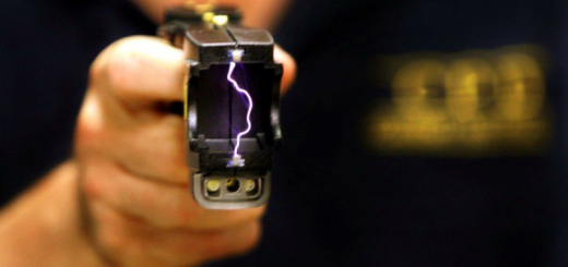 ВРУ розгляне законопроєкт про електрошокери для поліції