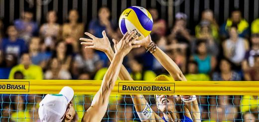 Сербську волейболістку дискваліфікували за примружування очей у грі з таїландками