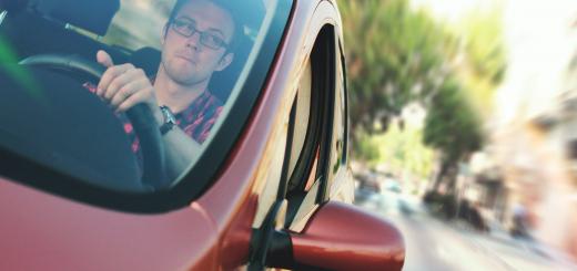 На Запоріжжі полісмени виписали одному водію більше ніж 100 адмінпротоколів за рік