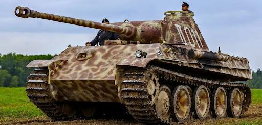 У Німеччині суд вирішуватиме долю пенсіонера, який тримав у підвалі танк, зенітну гармату та торпеду