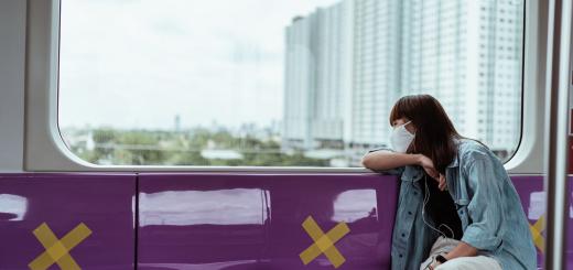 У Дніпрі влада пообіцяла вакцинованим містянам безплатний проїзд та знижки на квитки в кіно