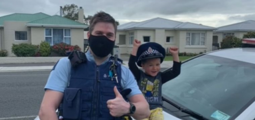 У Новій Зеландії 4-річний хлопчик подзвонив до поліції та запросив подивитися його іграшки